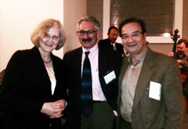 Drs. Ahvie Herskowitz and Victor Liu discussing stem cell technologies<br /><br /><br /><br /> with UCSF Professor, Elizabeth Blackburn, Nobel Prize winner in 2009 in<br /><br /><br /><br /> Physiology or Medicine